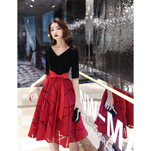 宴会晚zh服裙女20lw式气质年会平时可穿连衣裙(小)个子红色大码冬